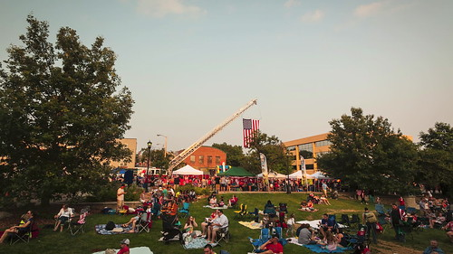 Columbia Missouri, BoCoMo, Boone County, Boone County Missouri, July 4th, 4th of July, downtown columbia, Notley, Notley Hawkins, 10thavenue, http://www.notleyhawkins.com/, Missouri Photography, Notley Hawkins Photography, Fire in the Sky, 2015, Flat Branch Park, People, Hot Air Balloon, Time Lapse
