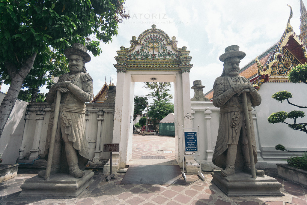 Two Statues at Wat Po