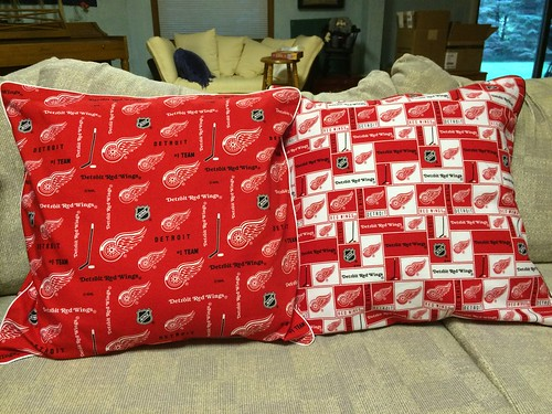 Red wings pillows