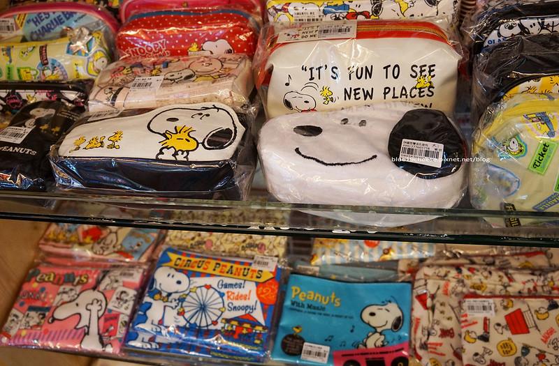 18267842074 db468fe389 c - 【台中西屯】東京雜貨樂園.2F龍貓咖啡館-被龍貓包圍的幸福裝潢.喝杯龍貓咖啡.親子咖啡館餐廳.逛逛史努比kitty布丁狗多拉ㄟ夢米奇拉拉熊蛋黃哥老皮的生活精品雜貨玩具
