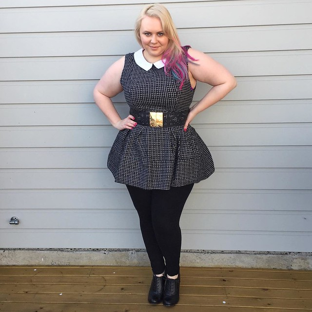 Weekend style wearing this schoolgirl-esque dress I borrowed from @curvesinacardigan (she has the best stuff!). Also wearing #citychiconline tights & belt, #payless shoes. Cardigan will be added for extra warmth because damn it's cold here!