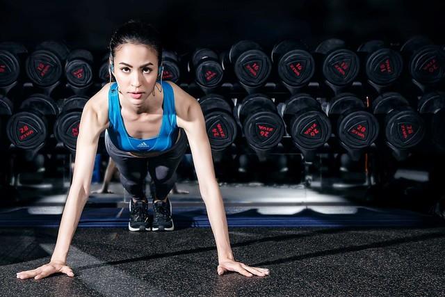 Jabra率先推出全球首支結合交叉訓練指導及音樂功能的藍牙運動耳機,個人專屬健身教練隨時待命