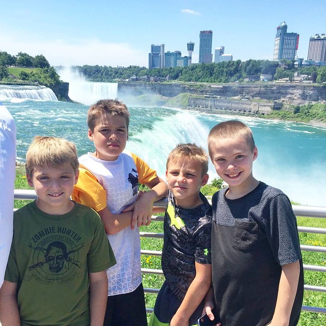 Dylan and his cousins got to see #niagarafalls today! ❤