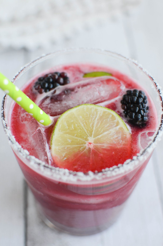 Blackberry Margaritas - delicious and easy recipe for homemade margaritas using fresh blackberries!