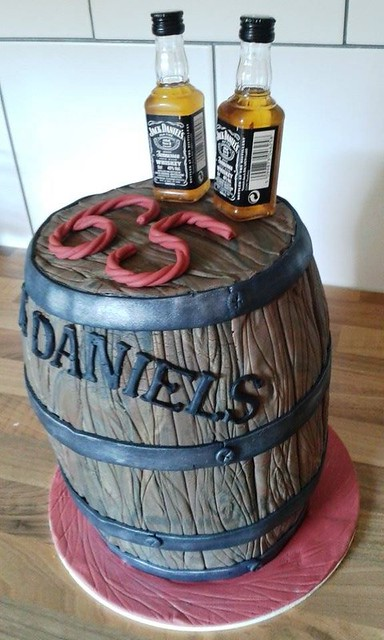 Oak Barrel Cake by Tortenfee Alena