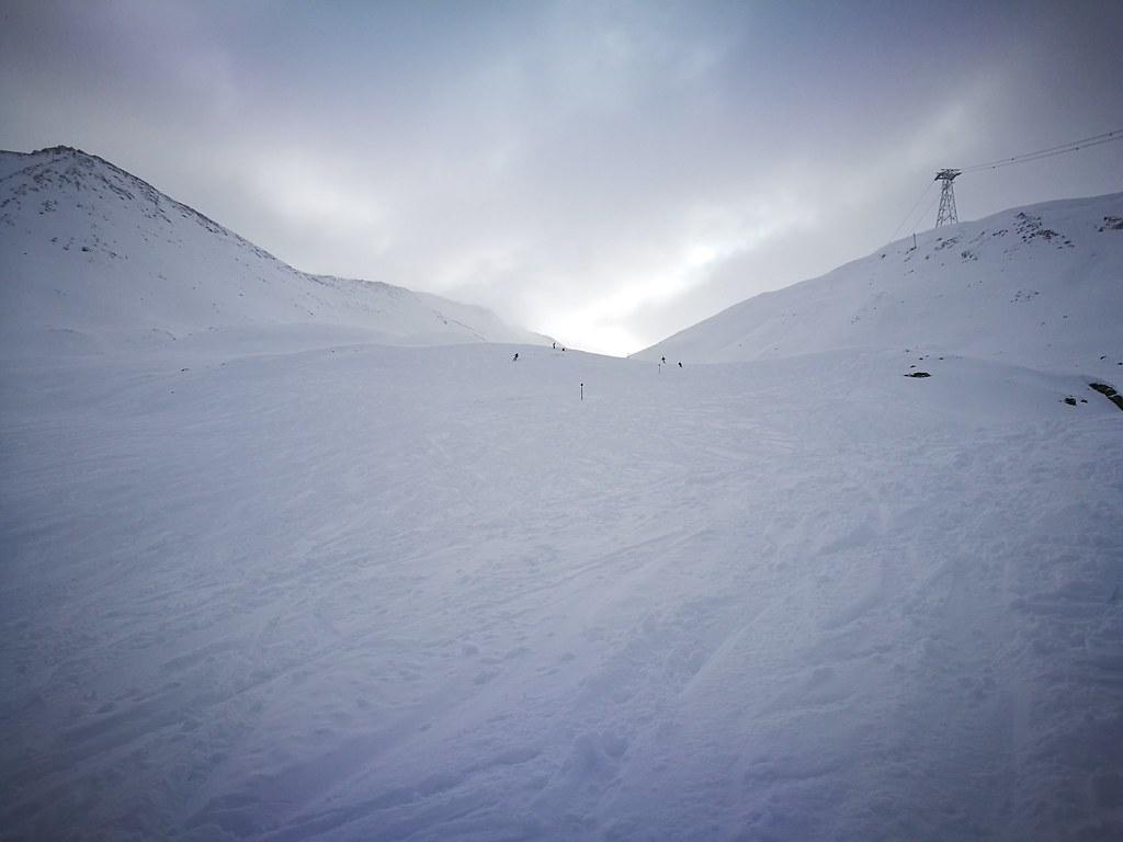 Skiing in Piz Val Gronda