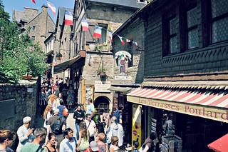 http://hojeconhecemos.blogspot.com.es/2015/06/grand-rue-mont-st-michel-franca.html