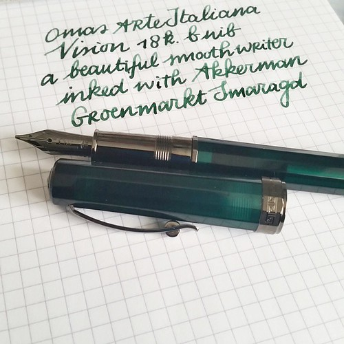 And this is how she writes. The B nib writes like it's slightly stubben and I love it! Also the shading of groenmarkt  smaragd ink is just lovely! #omas #arteitaliana #vision #akkerman #groenmarktsmaragd #fountainpenporn #fountainpenink #funtainpen #fpgee