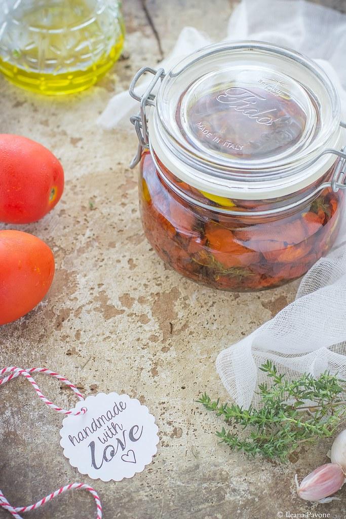 Pomodori secchi sott'olio1