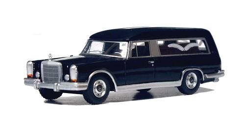 BoS Mercedes 600 bestattungswagen (3)