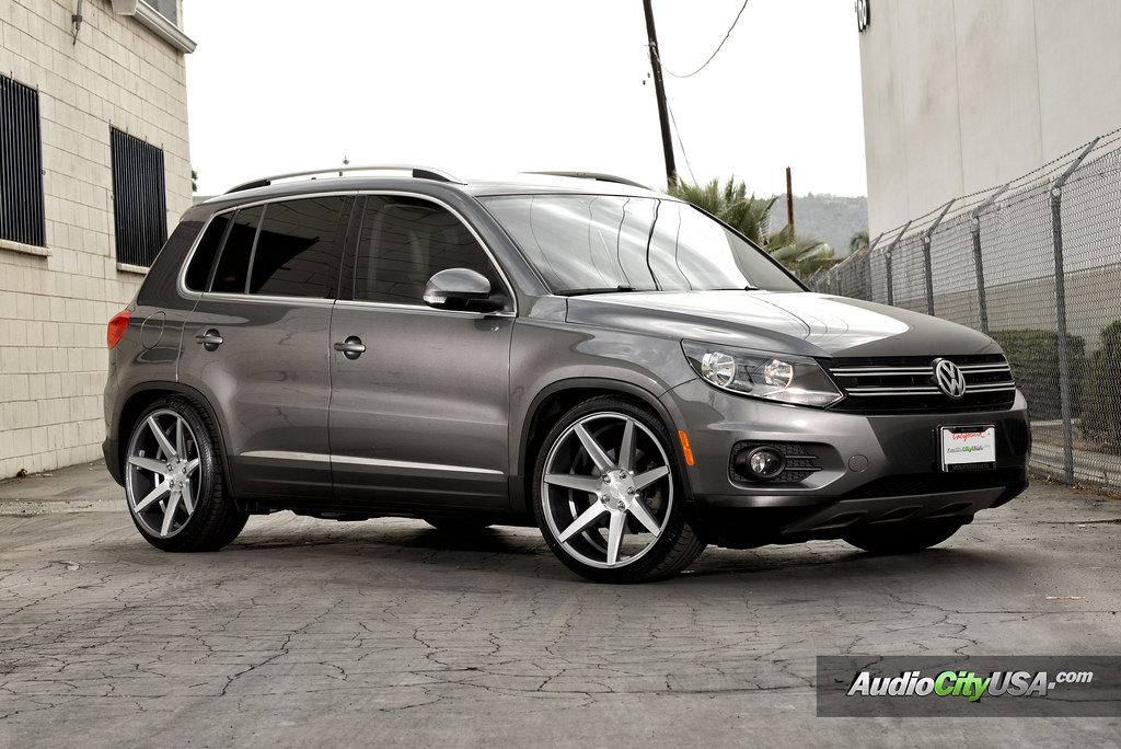 "STANCED ---> 2013 Volkswagen Tiguan 2.0 TSI on 20"" Rennen ..."