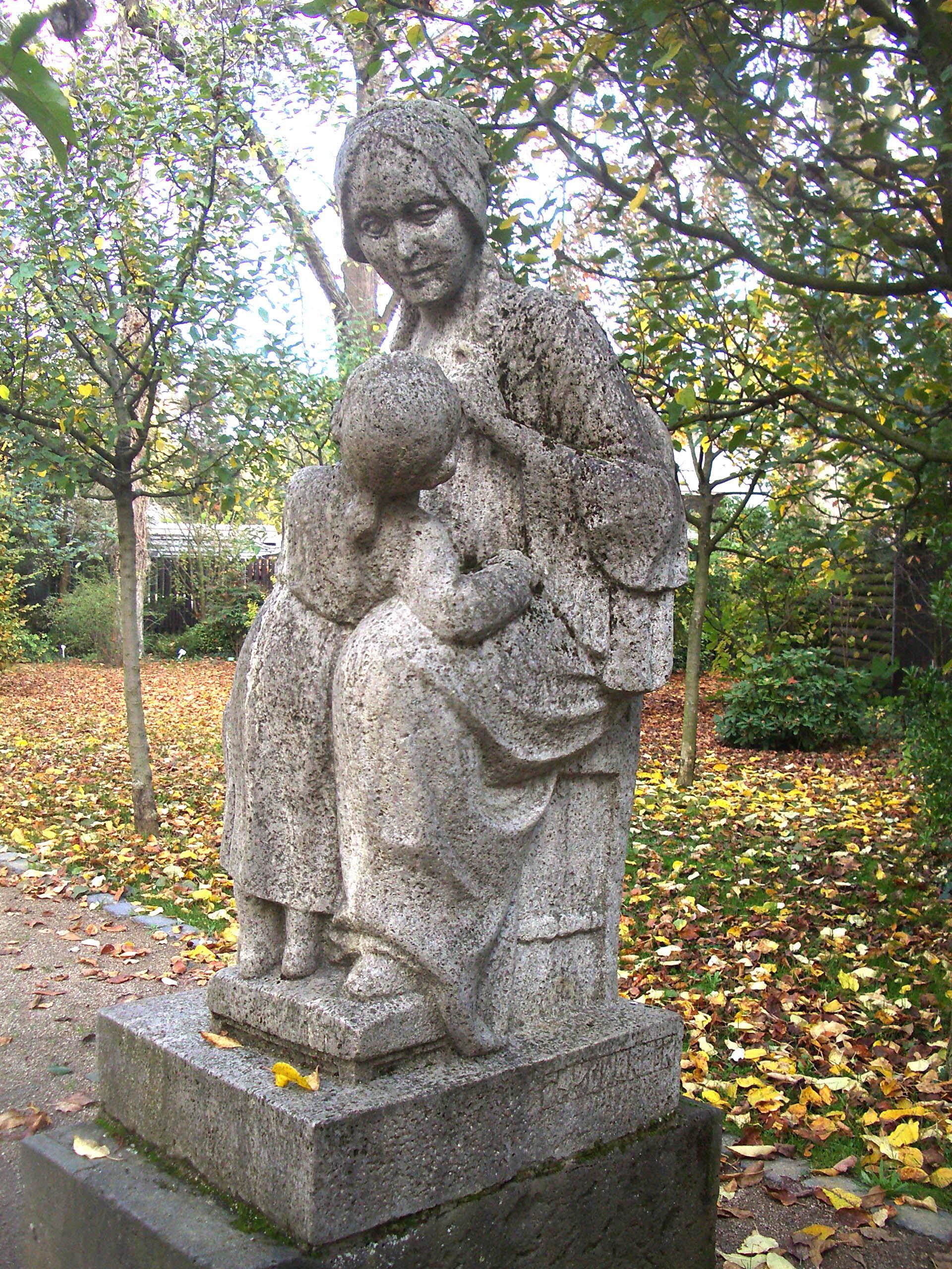 Andreas Praefcke, Denkmal von Goethes Mutter im Frankfurter Palmengarten, 2005