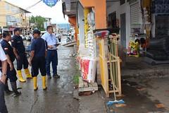 Comisaría notifica a comerciantes que ocupan portales y veredas