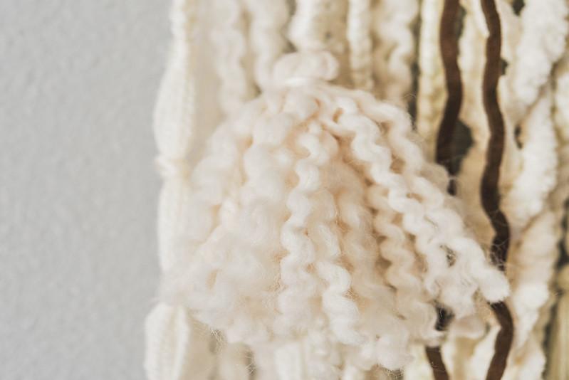 diy yarn tassel wall hanging