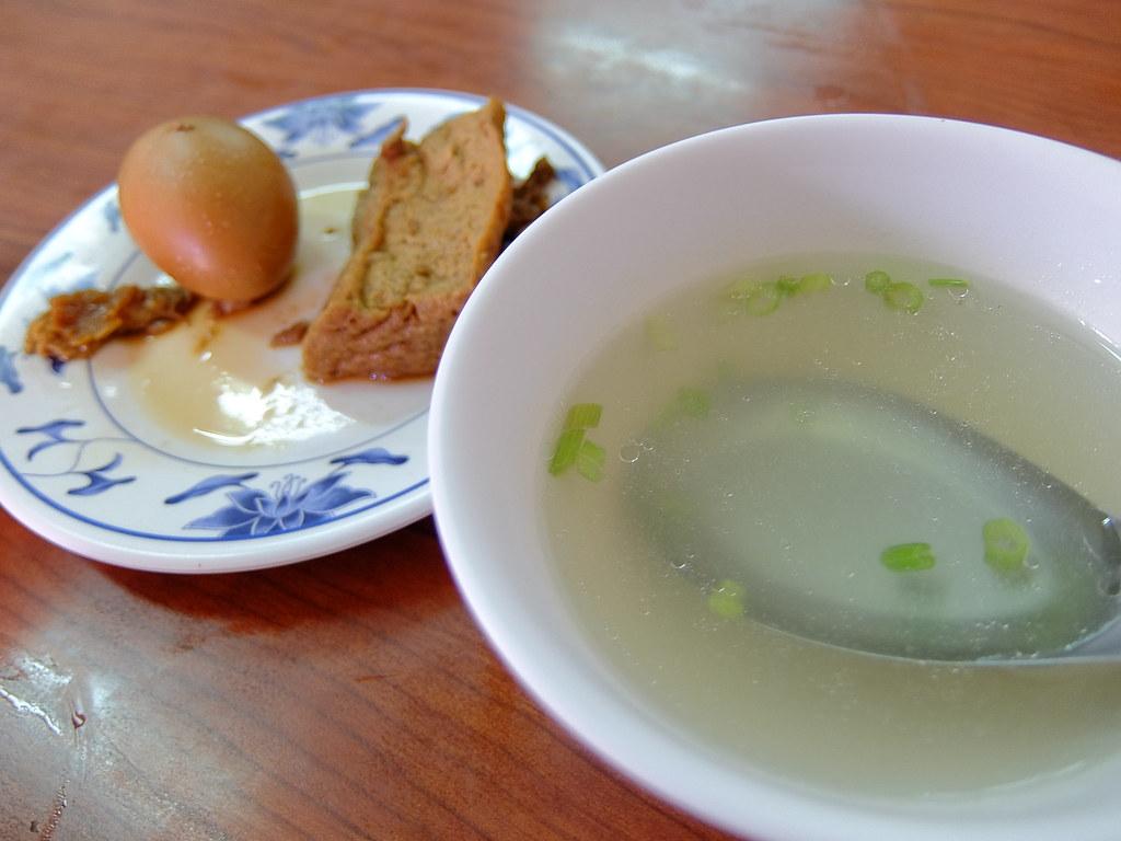 清湯和油豆腐+蛋