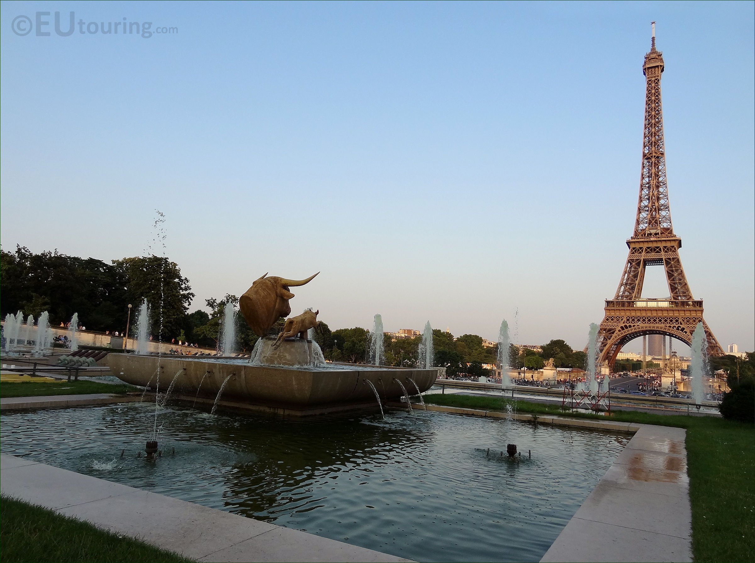 From Bull statue to the Eiffel Tower