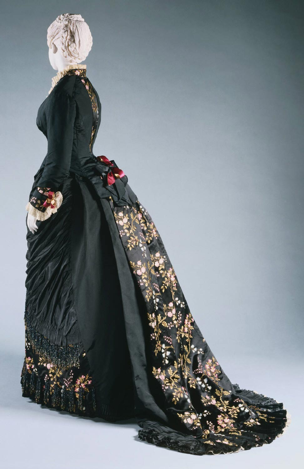 1878. Two-Piece Day Dress. Silk faille and brocaded silk lampas weave trimmed with lace, silk satin, and beads. philamuseum