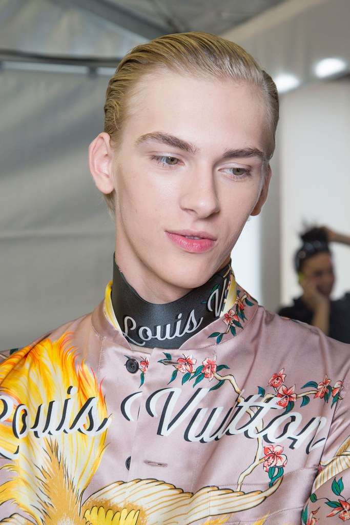 Dominik Sadoch3375_SS16 Paris Louis Vuitton(fashionising.com)