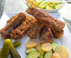 CORNMEAL-DUSTED SAUTEED PORK RIBS