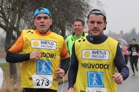 ROZHOVOR: Běhat maratony se dá i poslepu a s roztroušenou sklerózou