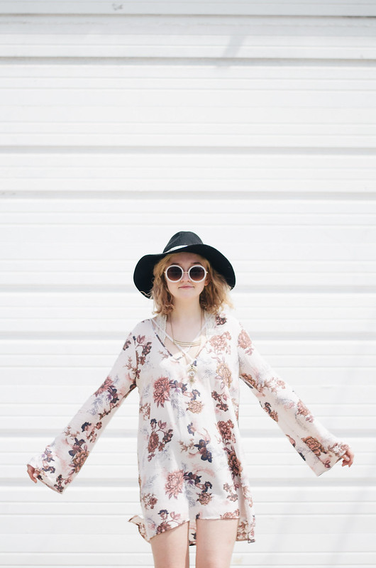 Free People Floral Tunic on juliettelaura.blogspot.com