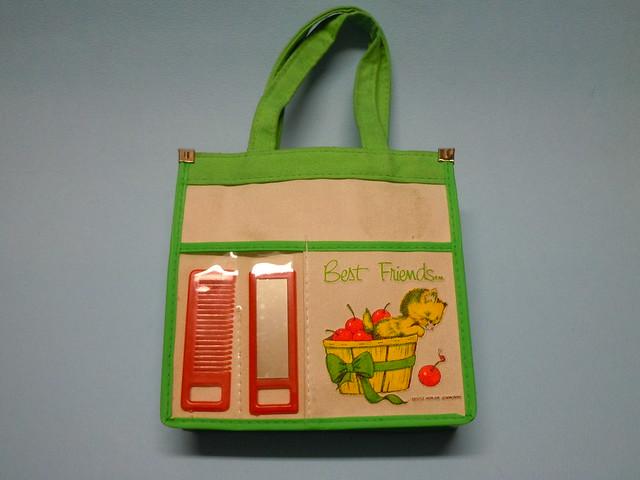 70s Best Friend Gentle World Mini Beauty bag