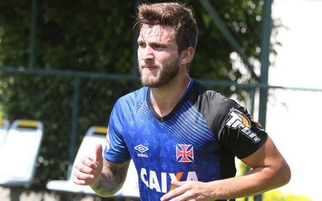 De contrato renovado, Aislan pode ficar de fora do Campeonato Carioca