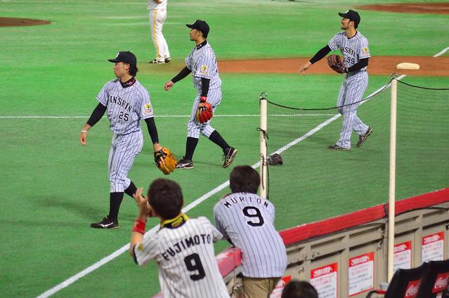 T_試合前キャッチボール(江越・坂・狩野)