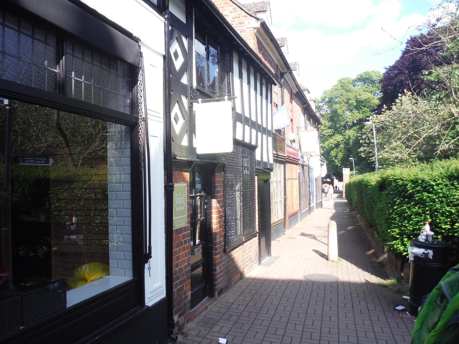 Narrow alleyway near the church in Hitchin SWC Walk 234 Hitchin Circular