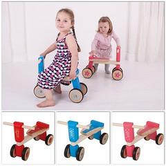 Sparkcyklar i trä för de minsta barnen - steget innan balanscykeln. Rekommenderas från 18 månader. Passar både inne och ute :sunny: #sparkcykel #cykel #träcykel #åkleksak #träleksaker #leksaker #doppresent