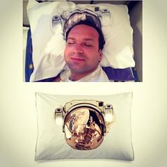 Mutlu musteriler:) ASTRONOT YASTiK KiLiFi Siz de www.hediyemucidi.com dan HEMEN SATIN ALiN!  KARGO BEDAVA 29,90TL #cocuk#hediye#astronot#yastik #kilifi WHATSAPP 05342107588