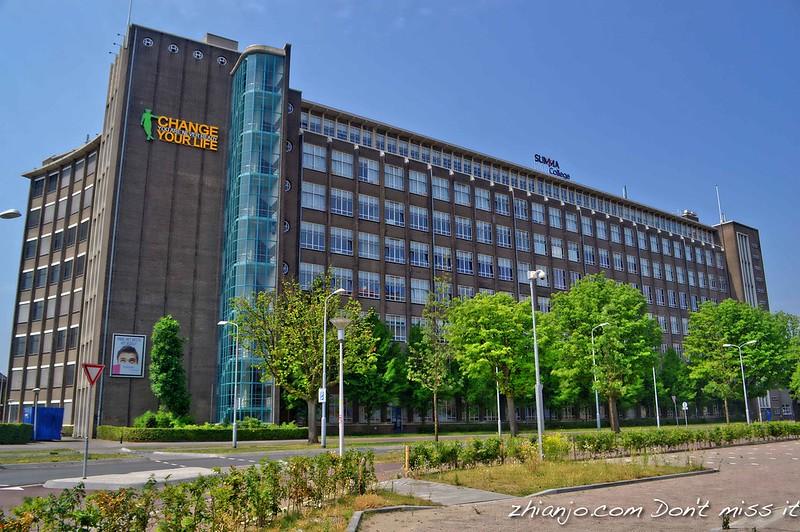 Philips Company School