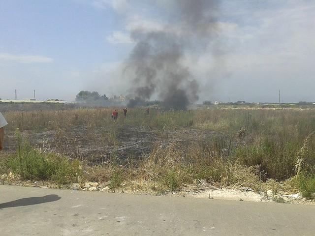 Rutigliano- Incendio in Via Mola  il terzo nel mese di Luglio (4)