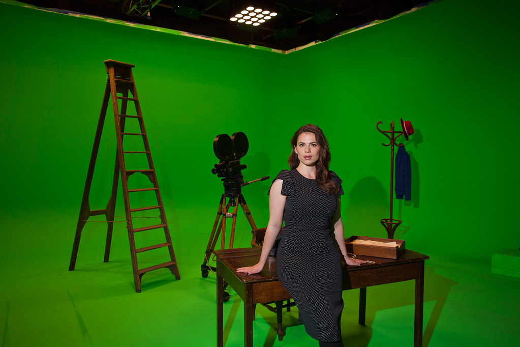 Хейли Этвелл — Фотосессия для «Independent» 2015 – 4