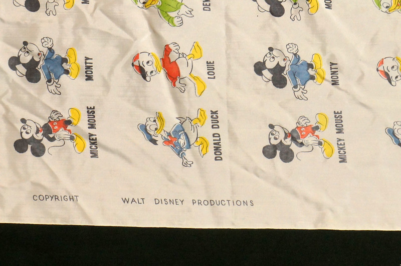 RD6920 1940s Disney Prod. Childs Barber Cape Apron Bickey & Liebes Seattle, Wash. DSC08302