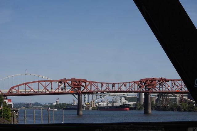 金, 2015-07-17 10:34 - Steel Bridgeから見たBroadway Bridge