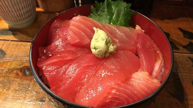 立ち寿司ホルモン 新鮮や!