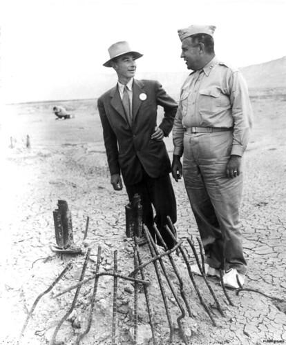 Groves and Oppenheimer, 9-11-45 (PUB80353001)