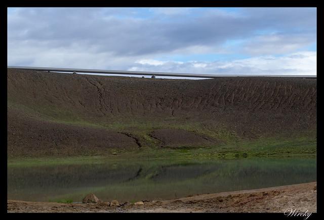 Lago de otro cráter del Volcán Krafla