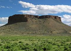Black Rock (Lower Pleistocene olivine orendite lamproite volcanic center in the Leucite Hills, Wyoming, USA) 2