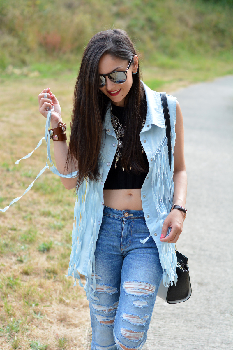 zara_outfit_jeans_crop_top_03