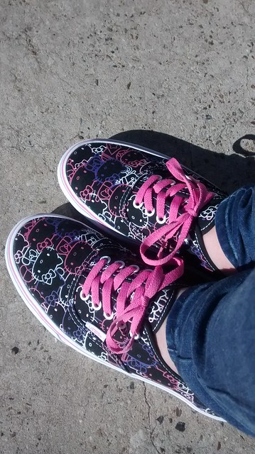 Hello Kitty Vans