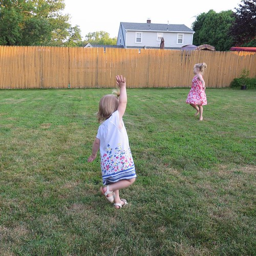 After supper dance party in the backyard. I love the golden light of this time of day. 99/100 #the100dayproject #my100daysofeverydaymoments