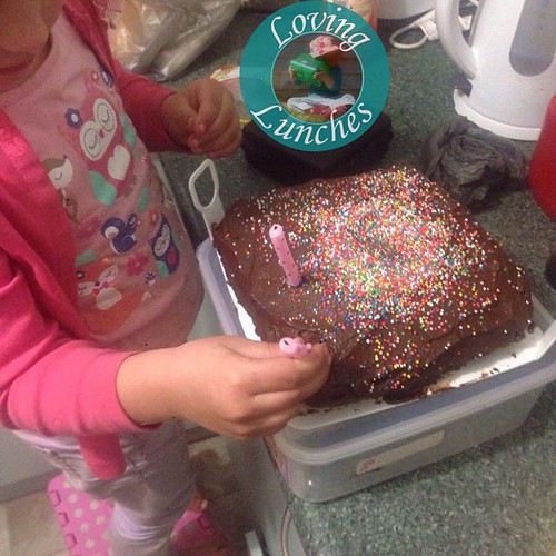 Loving some help decorations Honey's family birthday cake… it's not a birthday without Grandma's chocolate cake ❤️🎂. What are your birthday traditions? #lifewithkids #kidsinthekitchen #tradition