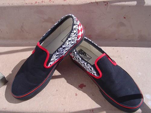 black n reds