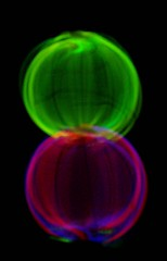 liquid bubble(0.0), yellow(0.0), glass(0.0), ball(0.0), fractal art(1.0), purple(1.0), sphere(1.0), light(1.0), macro photography(1.0), green(1.0), neon(1.0), circle(1.0),