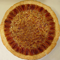 pie, baked goods, pecan pie, custard pie, tart, food, dish, cuisine, quiche,