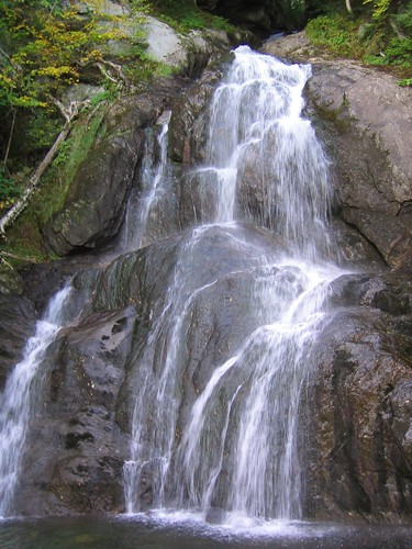 lake fall wet water pool rock geotagged waterfall pond rocks body maine falls bodyofwater geolat45842602 geolon69294998