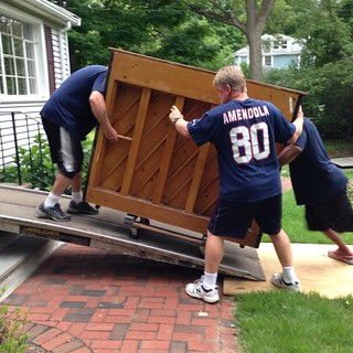 Here comes the piano! #askforgeorgeandjim #castinemovers #reallymovingnow