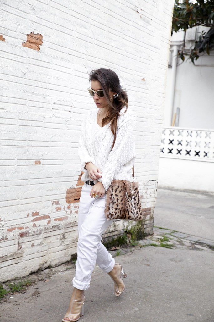 09_TOTAL_WHITE_OUTFIT_AND_LEO_LAURA_SANTOLARIA_THEGUESTGIRL_INFLUENCER_BARCELONA